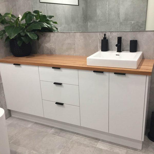 RM Kitchens & Bathrooms benchtops